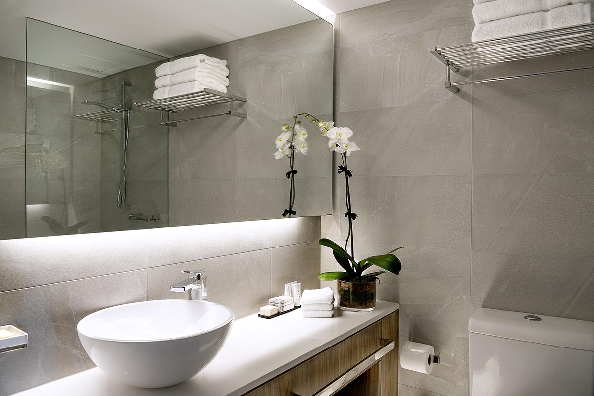RydgesSouthbank-Bathroom
